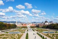Κήποι των παλατιών πανοραμικών πυργίσκων, Βιέννη, Αυστρία Στοκ Εικόνα
