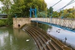 Κήποι Jephson γεφυρών για πεζούς σιδηρουργείων στοκ εικόνες
