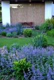 Κήπος εξοχικών σπιτιών άνοιξη Στοκ Εικόνες