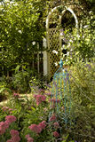 κήπος εξοχικών σπιτιών ομ&omicro Στοκ Εικόνες
