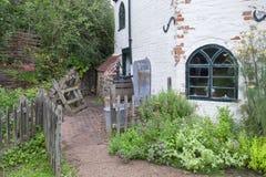 Κήπος εξοχικών σπιτιών σπιτιών φόρου Στοκ Εικόνες