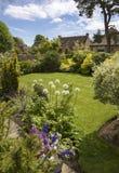 Κήπος εξοχικών σπιτιών Cotswold, να πελεκήσει Campden, Αγγλία Στοκ εικόνες με δικαίωμα ελεύθερης χρήσης