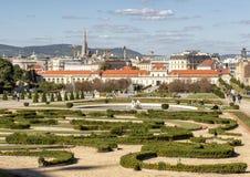 Κήπος και χαμηλότερο παλάτι πανοραμικών πυργίσκων, Βιέννη, Αυστρία στοκ εικόνες