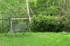 Κήπος με την ταλάντευση στοκ εικόνες