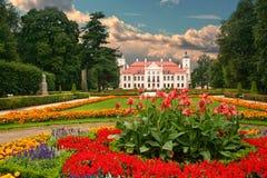 Κήπος στο γαλλικό μπαρόκ ύφος Στοκ φωτογραφίες με δικαίωμα ελεύθερης χρήσης