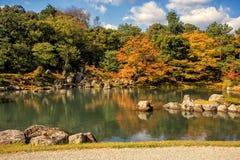 Κήπος της Zen στο ναό Tenryu-tenryu-ji στην εποχή φθινοπώρου Στοκ εικόνες με δικαίωμα ελεύθερης χρήσης
