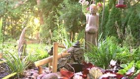 Κήπος του Βούδα με το χαρακτηριστικό γνώρισμα νερού φιλμ μικρού μήκους