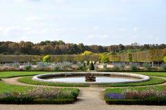 Κήπος του πύργου de Βερσαλλίες στοκ φωτογραφία με δικαίωμα ελεύθερης χρήσης