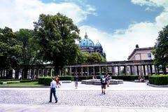 Κήπος του Alte το παλαιό μουσείο του National Gallery στο νησί μουσείων στο Βερολίνο Γερμανία Στοκ φωτογραφίες με δικαίωμα ελεύθερης χρήσης