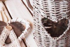 Κήπος φαναριών της καρδιάς και του καρδιά-διαμορφωμένου κρεμαστού κοσμήματος Στοκ φωτογραφίες με δικαίωμα ελεύθερης χρήσης
