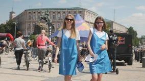 Κίεβου/Ουκρανία-Ιουνίου, 1 πορτρέτο του 2019 των νέων ελκυστικών κοριτσιών Κλείστε επάνω των μοντέρνων κοριτσιών στα καθιερώνοντα φιλμ μικρού μήκους