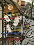Κίεβο Ουκρανία - το Μάρτιο του 2017: Πόρτες στο κατάστημα τέχνης σε Andreevsky στοκ εικόνες με δικαίωμα ελεύθερης χρήσης