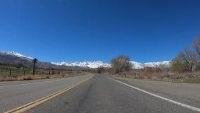 Κίνηση μέσω της κομητείας Inyo και Yosemite σε Καλιφόρνια φιλμ μικρού μήκους