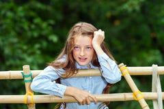 Κίνηση στην ενηλικίωση υπαίθριο πορτρέτο κοριτσιών εφηβικό στοκ φωτογραφίες με δικαίωμα ελεύθερης χρήσης