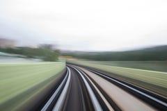 Κίνηση ταχύτητας στην αστική οδική σήραγγα εθνικών οδών Στοκ εικόνα με δικαίωμα ελεύθερης χρήσης