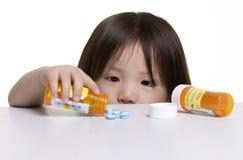 κίνδυνοι παιδικής ηλικία& Στοκ φωτογραφία με δικαίωμα ελεύθερης χρήσης