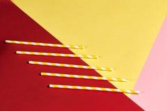 Κίτρινα και άσπρα πέντε άχυρα στοκ εικόνα με δικαίωμα ελεύθερης χρήσης