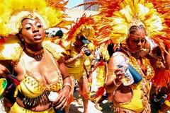 Κίτρινα κορίτσια 2 φτερών της Ατλάντας καρναβάλι Στοκ Εικόνες