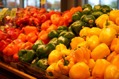 Κίτρινα, κόκκινα, και πράσινα πιπέρια κουδουνιών Στοκ φωτογραφία με δικαίωμα ελεύθερης χρήσης