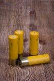 Κίτρινα πυροβοληθε'ντα κοχύλια πυροβόλων όπλων Στοκ Εικόνα