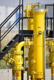 Κίτρινες βαλβίδες NAD σωλήνων Στοκ Φωτογραφίες