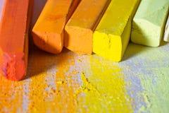Κίτρινες και πορτοκαλιές κρητιδογραφίες Στοκ εικόνες με δικαίωμα ελεύθερης χρήσης