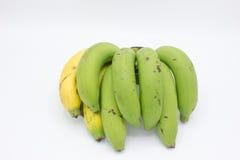 Κίτρινες και πράσινες μπανάνες Στοκ φωτογραφία με δικαίωμα ελεύθερης χρήσης