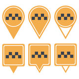 Κίτρινες καρφίτσες ναυσιπλοΐας για το ταξί ελεγμένο Στοκ Εικόνες