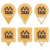 Κίτρινες καρφίτσες ναυσιπλοΐας για το ταξί Στοκ Φωτογραφία