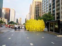 Κίτρινες κορδέλλες για το μνημείο του κορεατικού ατυχήματος πορθμείων Στοκ Φωτογραφίες