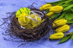 Κίτρινες τουλίπες Πάσχας Στοκ φωτογραφίες με δικαίωμα ελεύθερης χρήσης
