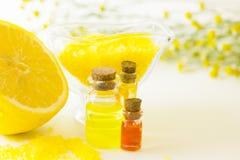 Κίτρινη έννοια Aromatherapy Στοκ φωτογραφία με δικαίωμα ελεύθερης χρήσης