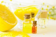 Κίτρινη έννοια Aromatherapy Στοκ Φωτογραφίες