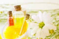 Κίτρινη έννοια Aromatherapy Στοκ εικόνες με δικαίωμα ελεύθερης χρήσης
