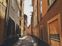 Κίτρινη αλέα σπιτιών Στοκ Εικόνες