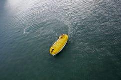 Κίτρινη βάρκα ζωής Στοκ Εικόνες