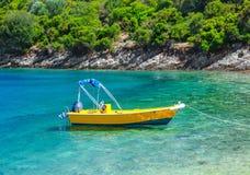 Κίτρινη βάρκα Στοκ Φωτογραφία