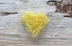 Κίτρινη εκλεκτής ποιότητας καρδιά Στοκ Εικόνες