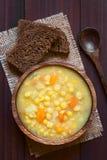 Κίτρινη διασπασμένη σούπα μπιζελιών Στοκ εικόνα με δικαίωμα ελεύθερης χρήσης