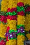 Κίτρινη κόκκινη πράσινη πορφυρή γιρλάντα ορχιδεών των λουλουδιών - Ινδία Thaila Στοκ φωτογραφία με δικαίωμα ελεύθερης χρήσης