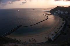 Κίτρινη παραλία Tenerife άμμου στοκ εικόνα με δικαίωμα ελεύθερης χρήσης
