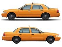 Κίτρινη πλάγια όψη Βικτώριας κορωνών διάβασης αυτοκινήτων ταξί Στοκ φωτογραφία με δικαίωμα ελεύθερης χρήσης