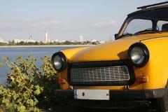 Κίτρινη Trabant μπροστινή άποψη Στοκ εικόνα με δικαίωμα ελεύθερης χρήσης