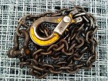 Κίτρινος γάντζος αλυσίδων στοκ φωτογραφία