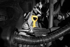 Κίτρινος μετρητής στάθμης πετρελαίου μηχανών Στοκ Εικόνα