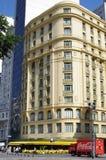 Κίτρινος ουρανοξύστης στη Βραζιλία Στοκ φωτογραφίες με δικαίωμα ελεύθερης χρήσης