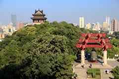 Κίτρινος πύργος γερανών στην πόλη Wuhan Στοκ Φωτογραφία