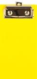 Κίτρινος πλαστικός δίσκος ψαλιδίσματος, για την τιμολόγηση στοκ φωτογραφίες με δικαίωμα ελεύθερης χρήσης