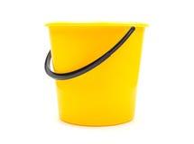Κίτρινος πλαστικός κάδος Στοκ Φωτογραφία