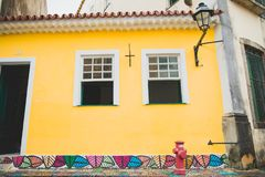Κίτρινος τοίχος σε Bahia, Σαλβαδόρ - Βραζιλία στοκ φωτογραφίες
